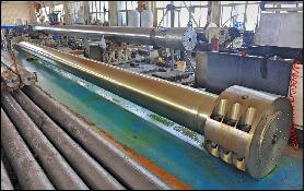 1300吨油压机拉杆